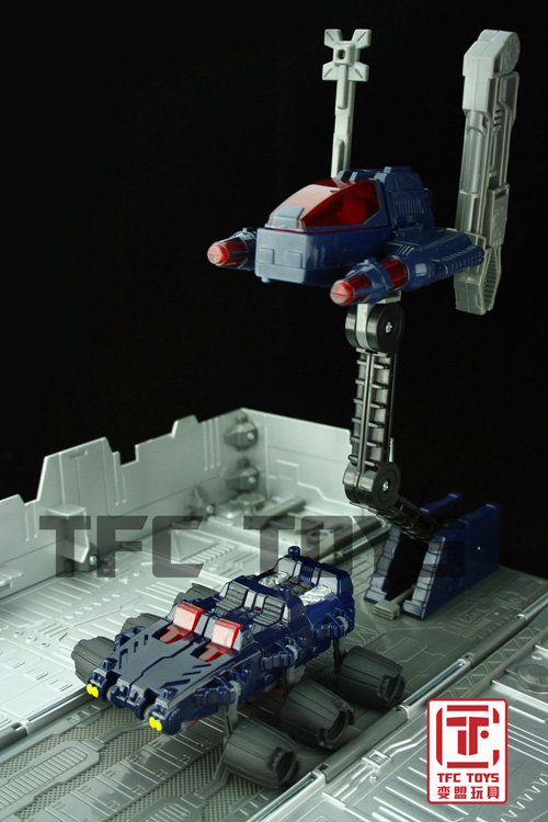 [TFClub] Rollo (mini bolide d'Optimus) devient robot | [TFClub] Gears of War 2: Fusils d'Optimus - Page 2 0801_009